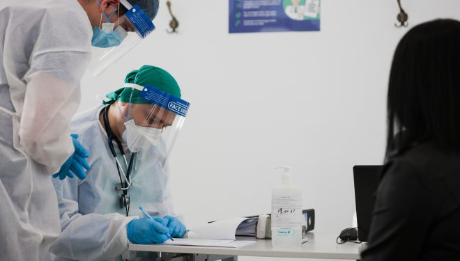 Guvernul a aprobat introducerea unor noi categorii de persoane în etapa a doua de vaccinare