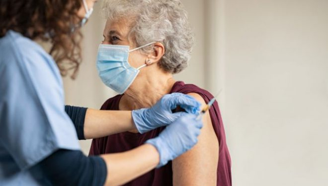 """Ar putea fi realizat un vaccin universal anti-COVID? Cercetător român: """"Va mai dura ceva timp"""""""
