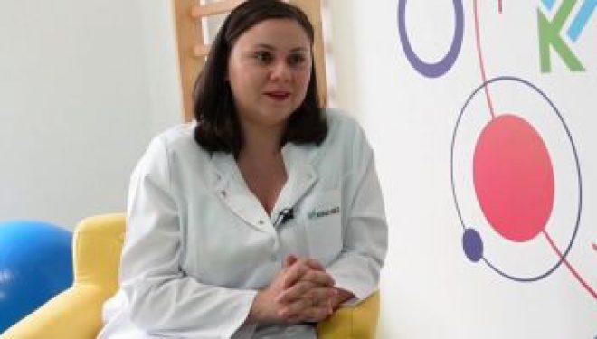 Sorana Popescu, medic neurolog, explică ce obiceiuri zilnice duc la apariţia durerilor de coloană şi cum poate ajuta kinetoterapia