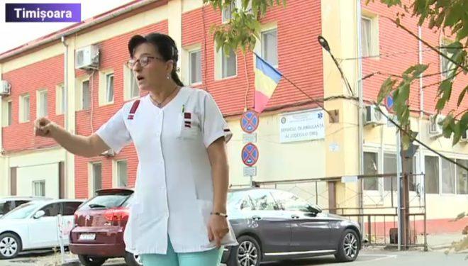 """Scandal în fața Serviciului de Ambulanță Timiș,după ce o îngrijitoare a refuzat să se testeze anti-COVID: """"Este discriminare, abuz"""""""